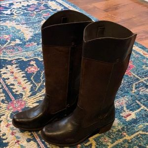 UGG tall brown boots! Size 9.